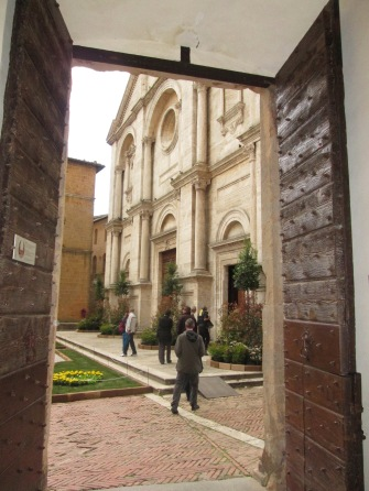 Italian church doors - building inspiration