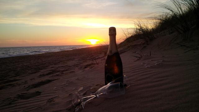 Champagne-sunset-thanks-subscribers